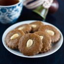 almond-gingerbread-cookies-squere-0949