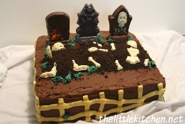 Halloween Cemetery Cake Ideas