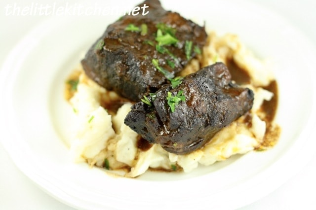 Red Wine-Braised Short Ribs Slow Cooker Recipe | the little kitchen