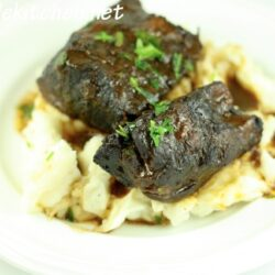 Red Wine-Braised Short Ribs Slow Cooker Recipe