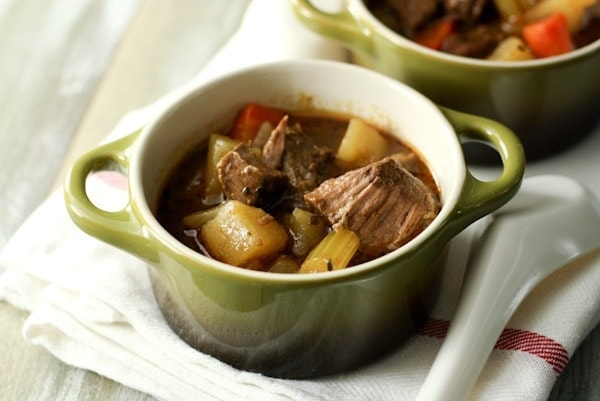 I Love Slow Cooker Recipes And When I Saw This Drunken Irish Stew On Sydney S Site Crepes Of Wrath I Knew I Wanted To Make A Slow Cooker Version Of It