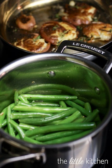 Garlic and Olive Oil Sauteed Green Beans Recipe | the little kitchen