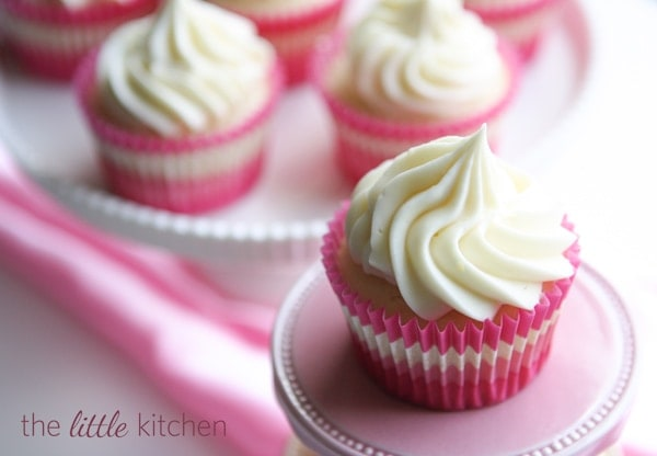How to make icing for cupcakes with cream cheese