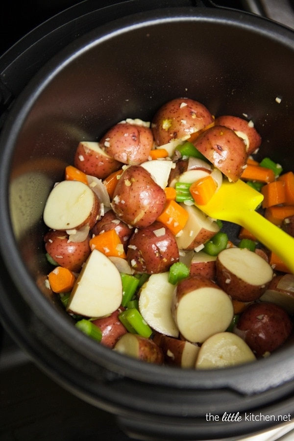 cooking beef stew pressure cooker