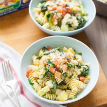 Summer Vegetable Pasta from thelittlekitchen.net