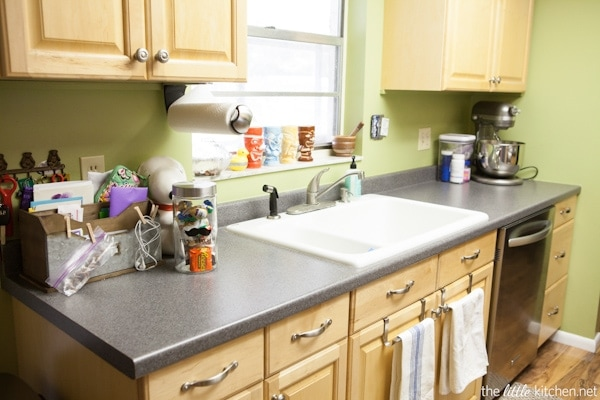 Kitchen Organizing Tip: You can use your cabinet doors as storage too!
