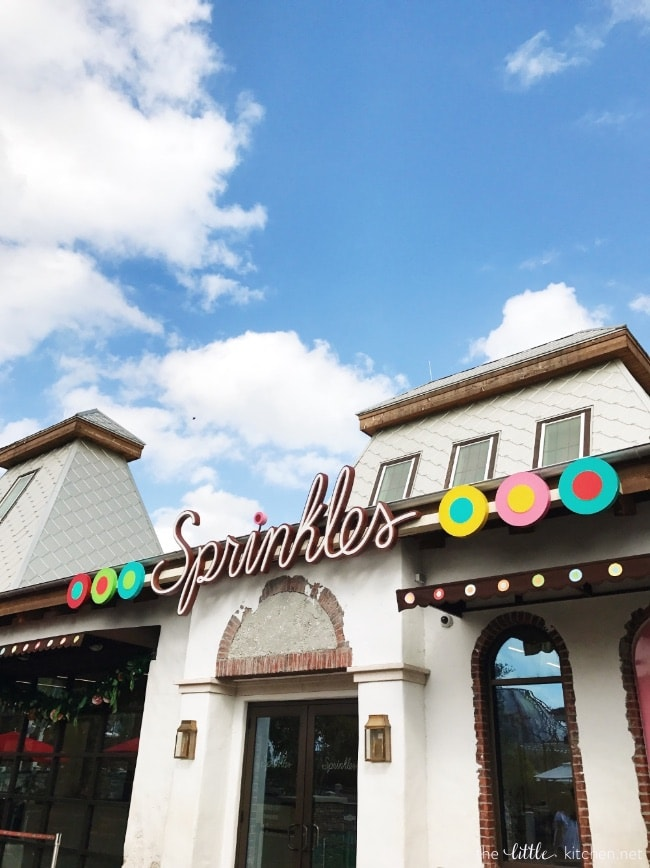 Sprinkles Cupcakes at Disney Springs thelittlekitchen.net