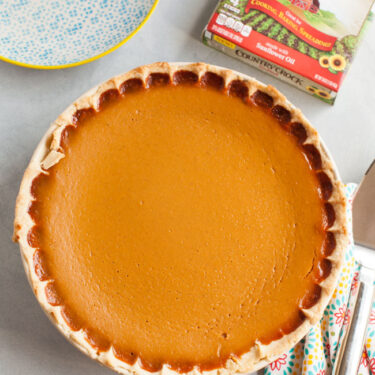 Easy Pumpkin Pie from thelittlekitchen.net
