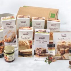 Tastefully Simple Holiday Baking Kit
